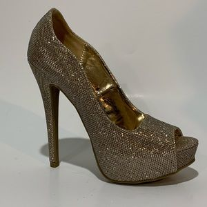 SHI by Journeys Gold Glitter stiletto Sexy heels